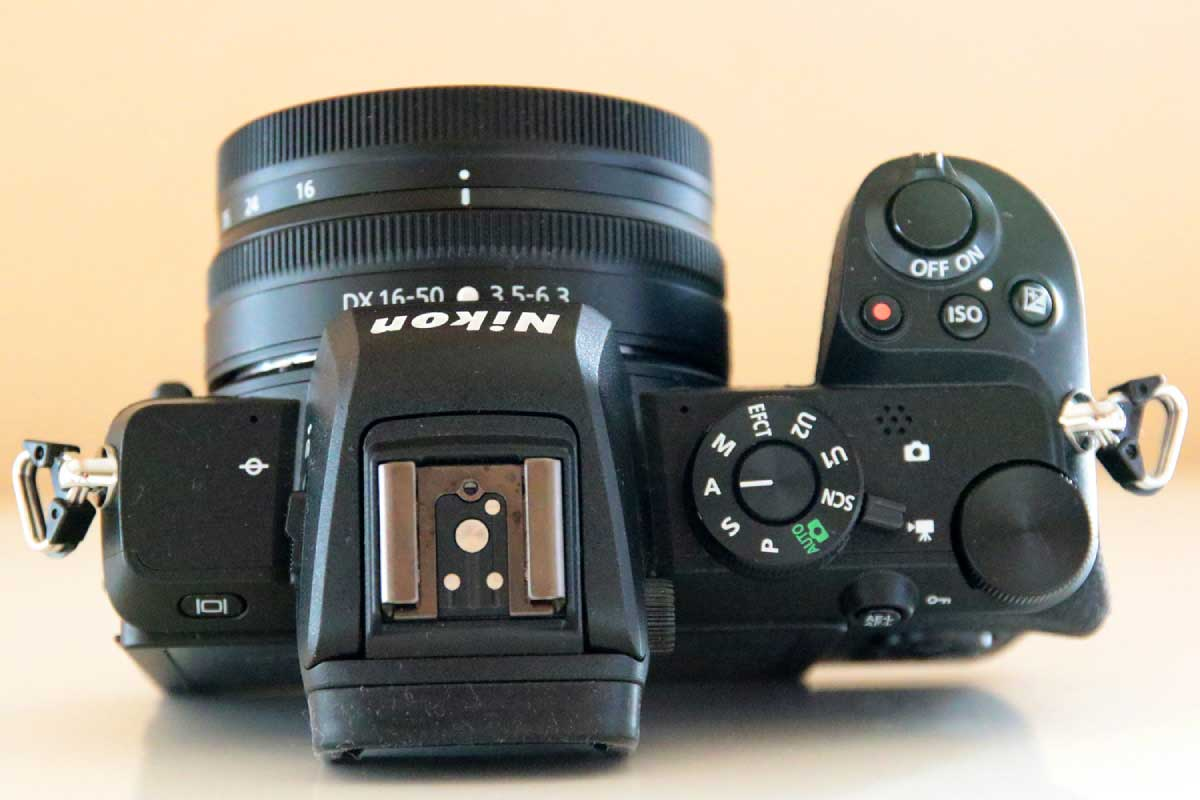 Nikon Z 50の上部画像