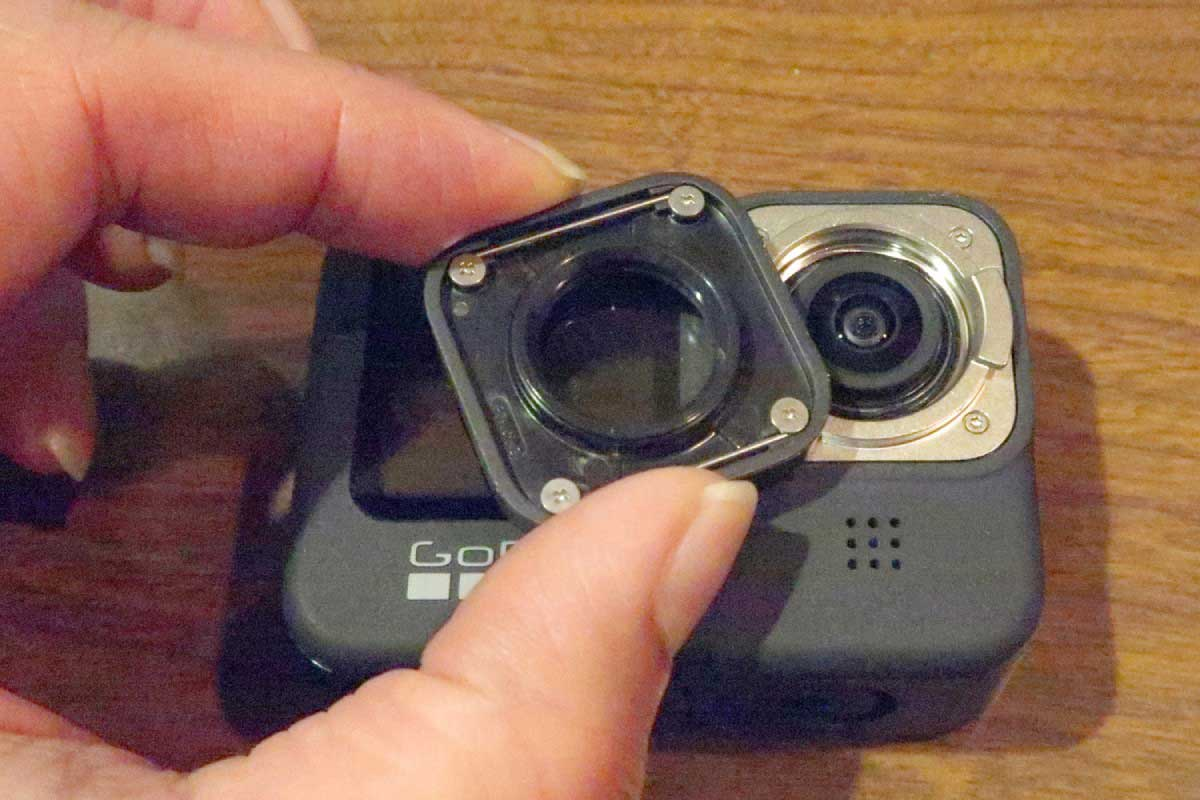 GoPro HERO9 Blackのレンズカバーの取り外し画像