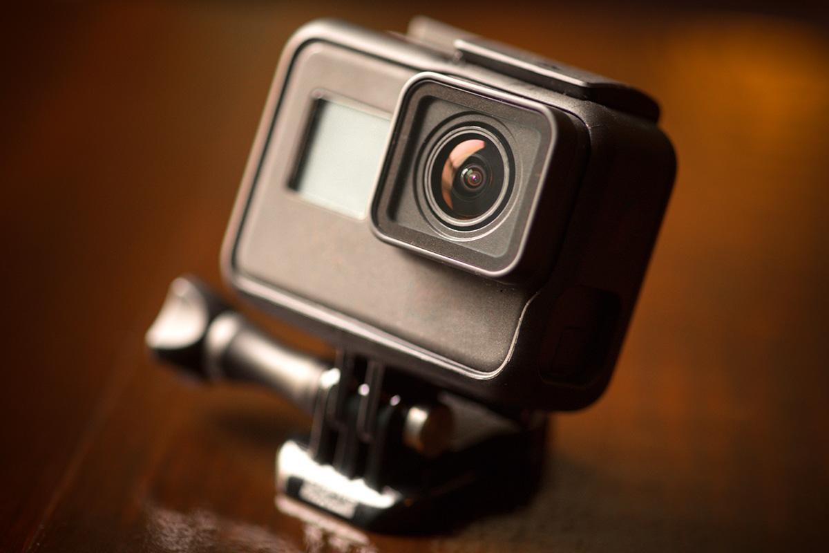 アクションカメラの正面イメージ画像