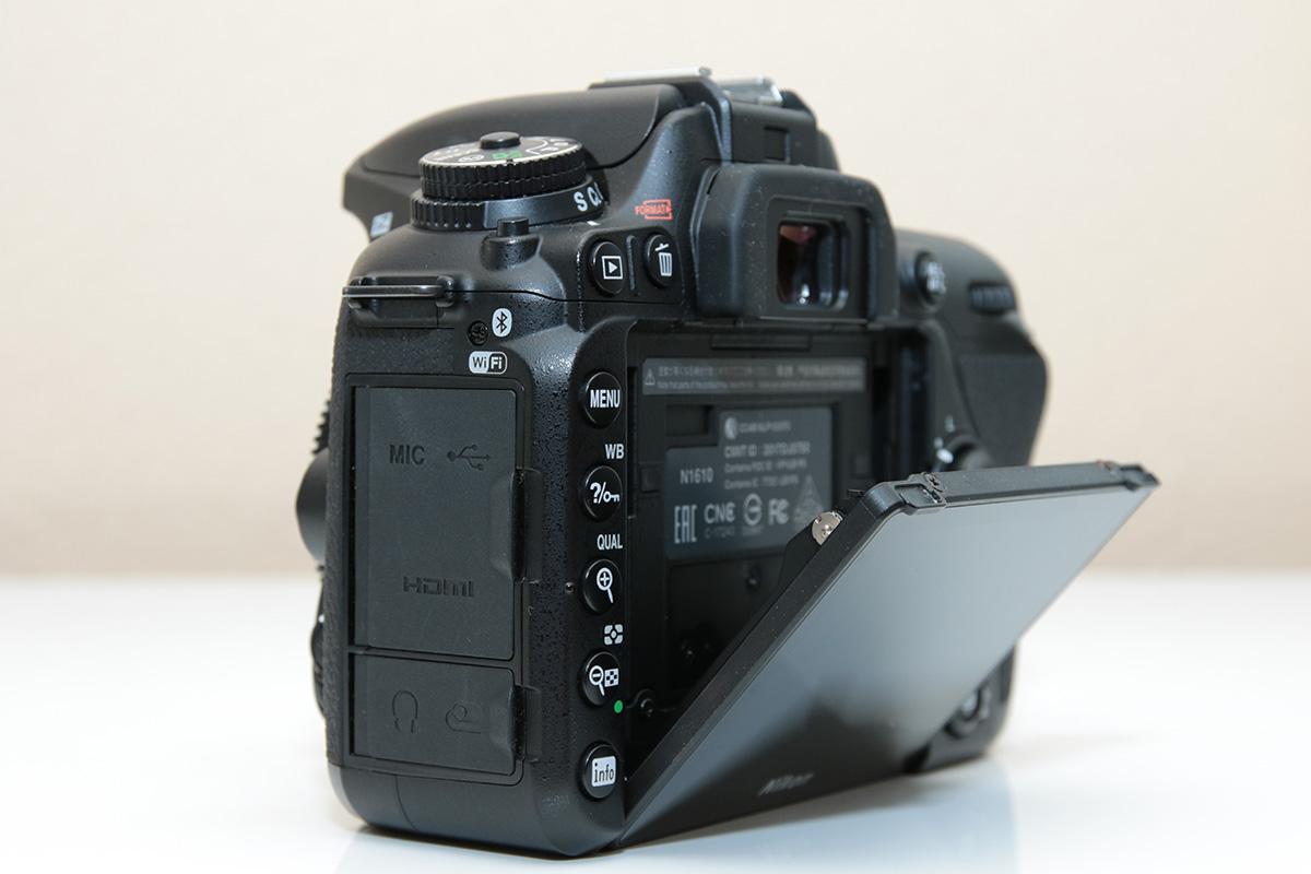 Nikon D7500の3.2型液晶モニター