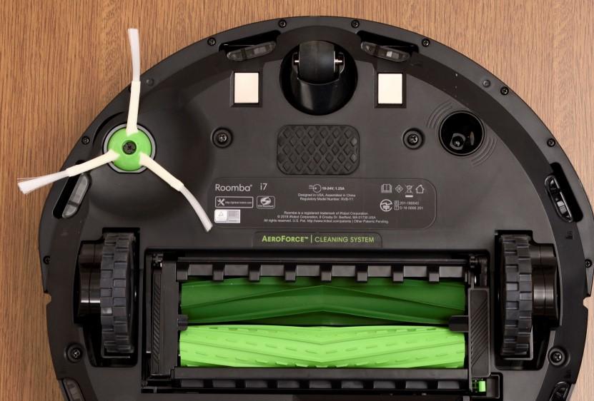 アイロボット ルンバ i7+ 「AeroForce3段階クリーニングシステムとデュアルアクションブラシ画像