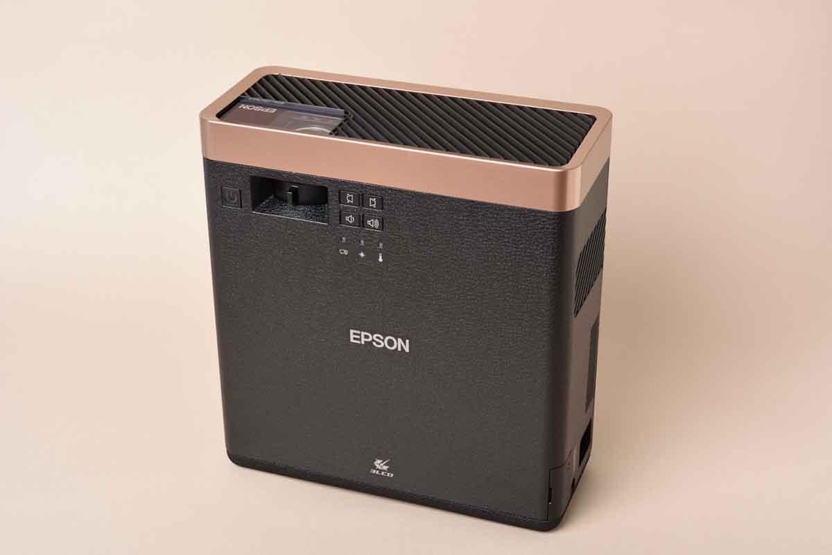 EPSON/EF-100BATVを立てた画像