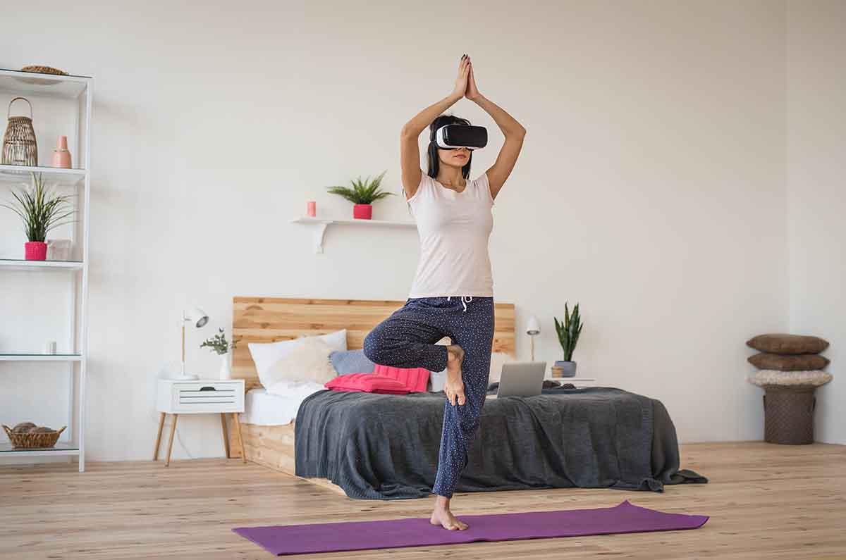 VR・360°機種を使って動画を楽しむイメージ画像
